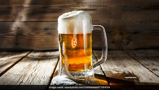 Man Tips USD 3,000 To Restaurant Amid Covid - All He Ordered Was A Beer