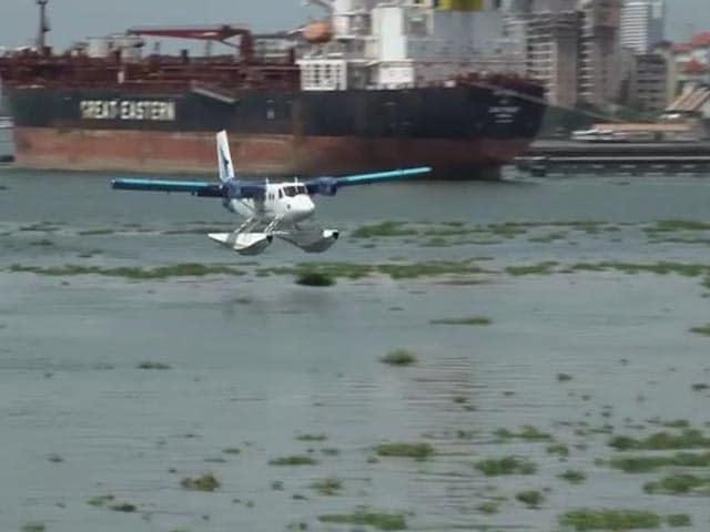 Video : Sea Plane Lands In Kerala Channel, Top Naval Officers Greet Crew