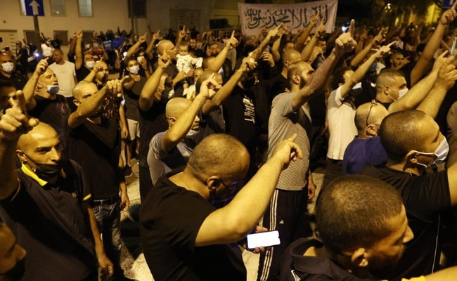 Israeli Arabs Protest Against French President Over Comments On Prophet