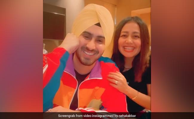 Neha Kakkar 'राइजिंग स्टार' फेम रोहनप्रीत के साथ करने वाली हैं शादी! महीने के अंत तक हो सकती है वेडिंग सेरेमनी