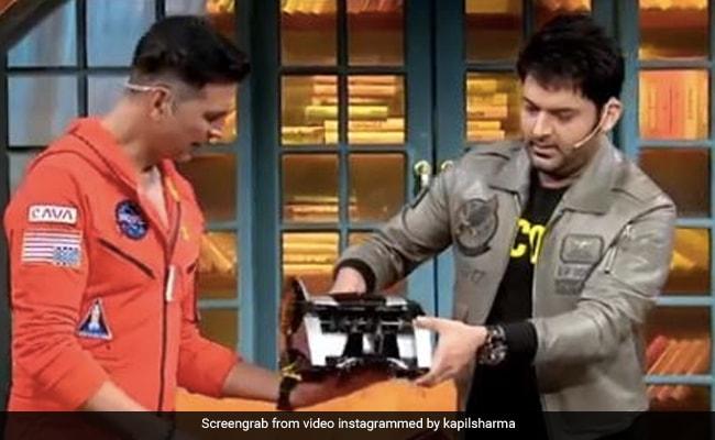 कपिल शर्मा ने अक्षय कुमार को गिफ्ट की नोट गिनने वाली मशीन, तो गुस्से में एक्टर बोले- इंडस्ट्री के आधे पैसे...
