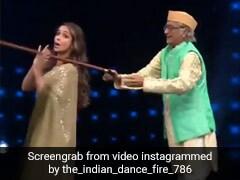 मलाइका अरोड़ा के साथ स्टेज पर यूं नाचे 'बापू जी', डांस देख जेठालाल ने बंद कर ली आंखें- देखें Video