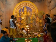 Durga Puja 2020: Giant Screens, Online <i>Darshan</i> Among Kolkata's <i>Puja</i> Plans