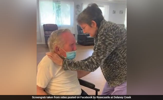 Elderly Couple Reunites After 7 Months Apart In Pandemic. Keep Tissues Handy