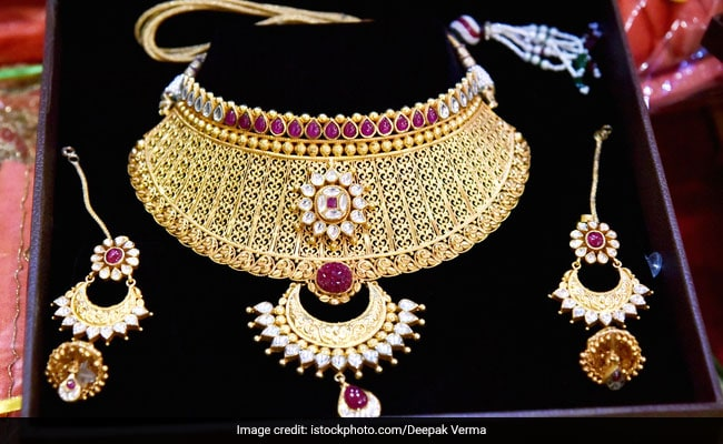 Gems & Jewellery Sector Pares Outstanding Debt By 26% To $8 Billion