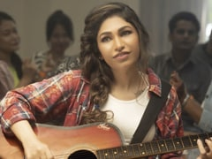 <i>Tanhaai</i>: Tulsi Kumar Learns To Play Guitar For Her New Song