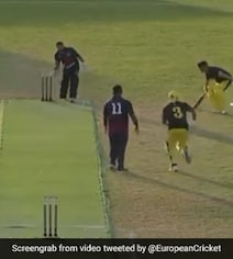 Watch: Batsmen Find Unique Way To Steal 2 Runs After 'Keeper Gets Ball