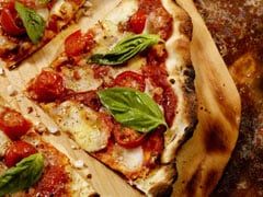 Make Extra Thin Crust Pizza At Home In Just 10 Minutes With This Viral Hack