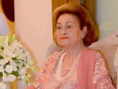 Kareena, Karisma And Riddhima Remember Grandmother Krishna Raj Kapoor On Her Death Anniversary