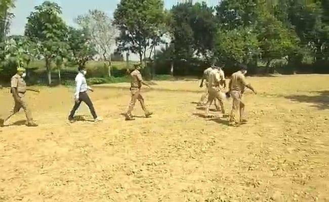 उत्तर प्रदेश : खेत में मिला नाबालिग का शव, परिजनों ने लगाया रेप का आरोप