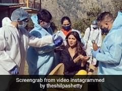 शिल्पा शेट्टी ने 'हंगामा 2' की शूटिंग के लिए वादियों में यूं कराया मेकअप, खूब वायरल हो रहा है Video