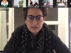 प्रियंका गांधी ने की बुनकरों से बात, हर संभव मदद का आश्वासन दिया