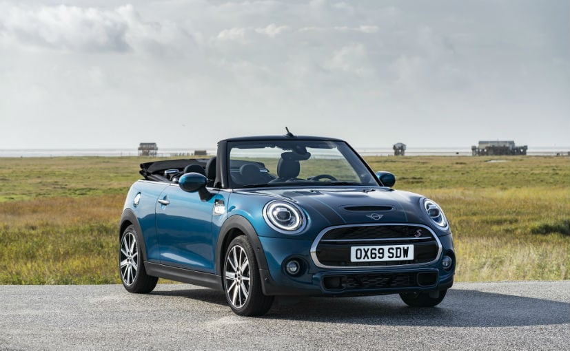 The Mini Convertible Sidewalk Edition gets special highlights to the exterior and interior