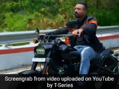 Ajaz Khan ने 'पल पल' गाने से मचाई धूम, रोमांटिक अंदाज में नजर आए एक्टर- देखें Video