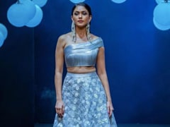 "Virtual Lakme Fashion Week Grand Finale: ""Dream Come True"" For Showstopper Mrunal Thakur"