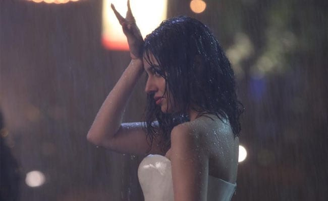 Divya Khosla Kumar Experiments With Her Outfits In Teri Aankhon Mein Teaser