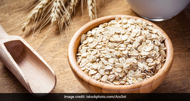 Oatmeal for Skin: How To Use The Superfood For Your Skin and Beauty Needs