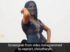 Sapna Choudhary ने घूंघट ओढ़कर 'मेरा चांद' गाने पर यूं किया धमाकेदार डांस, धांसू Video मचा रहा है धमाल