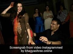Bhagyashree ने पति के साथ यूं किया था जमकर डांस, Photo शेयर कर बोलीं- मैंने इन्हें घुटनों पर ला दिया था...