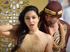 <i>Laxmmi Bomb</i> Song <i>Burj Khalifa</i>: Akshay Kumar And Kiara Advani Dance Their Hearts Out