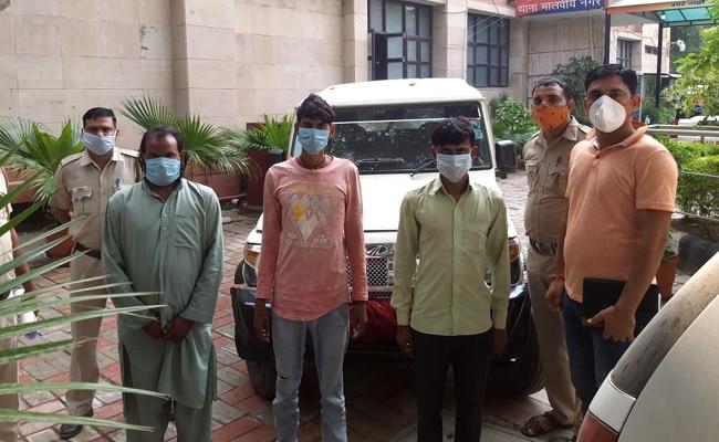 दिल्ली से अगवा ठेकेदार को पुलिस ने सीतापुर के जंगलों से छुड़ाया, 3 आरोपी गिरफ्तार