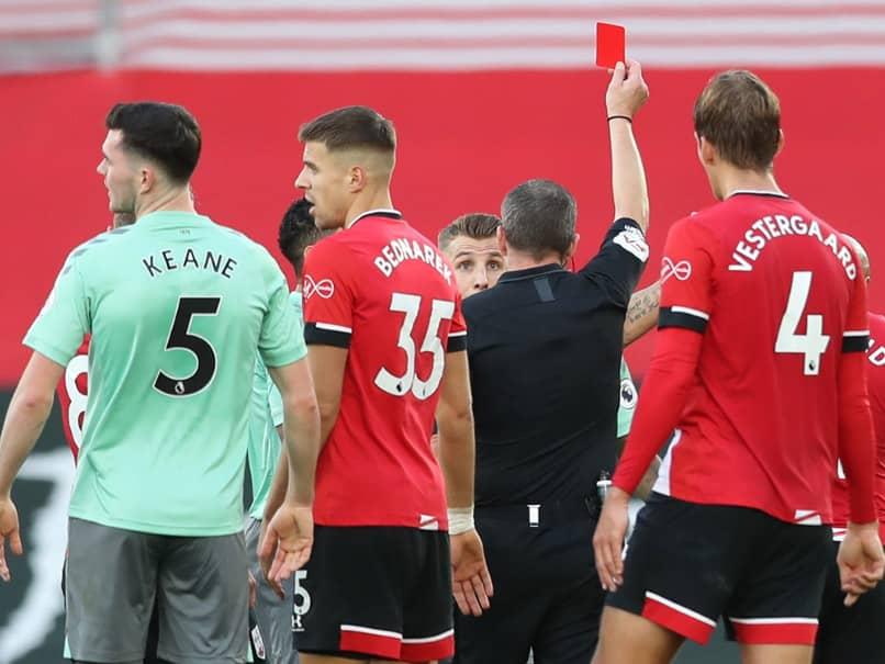 "Carlo Ancelotti Slams ""Joke"" Red Card As Southampton End Evertons Unbeaten Start"