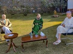 अनुच्छेद 370 की बहाली के लिए जम्मू-कश्मीर में बने पार्टियों के गठबंधन में फारुख अब्दुल्ला, महबूबा मुफ्ती शामिल