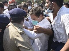 यूपी पुलिस ने राहुल-प्रियंका को हाथरस जाने से रोका, धक्का मुक्की के दौरान गिरे राहुल गांधी