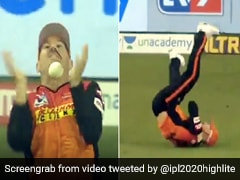 IPL 2020: डेविड वॉर्नर ने पीछे दौड़कर पकड़ा हैरतअंगेज कैच, हाथ से छूटी गेंद और फिर... देखें Video
