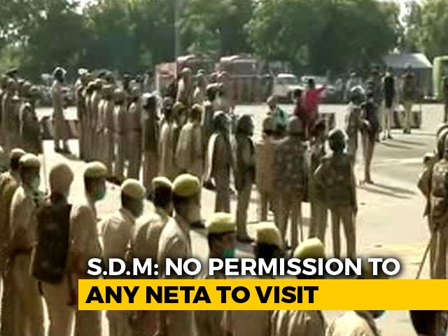 Video : Rahul Gandhi On Way To Hathras, Over 200 Policemen Near UP Border