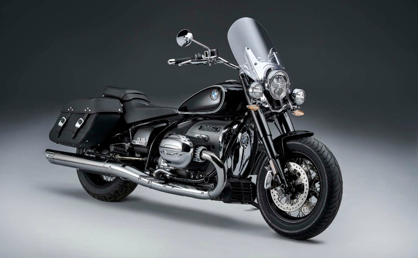 The BMW R 18 Classic is a more touring-friendly variant of the BMW R 18 First Edition