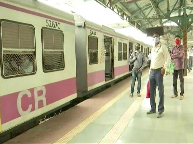 Video : Mumbai Local Trains Affected Amid Large-Scale Power Failure
