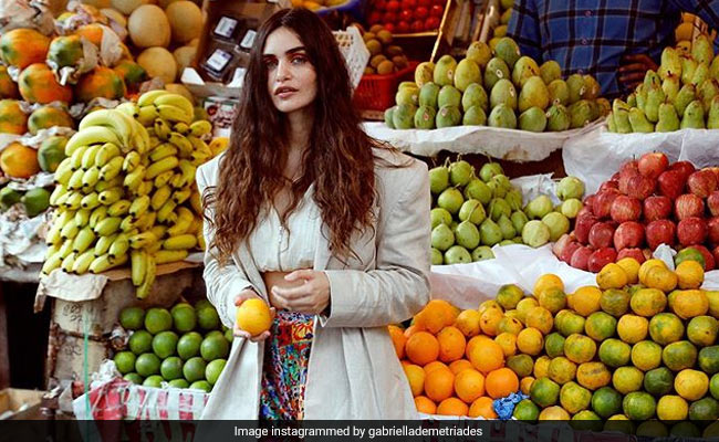 'Remember Your Vitamin C': Gabriella Demetriades Spotted In Pali Market Looking Like This