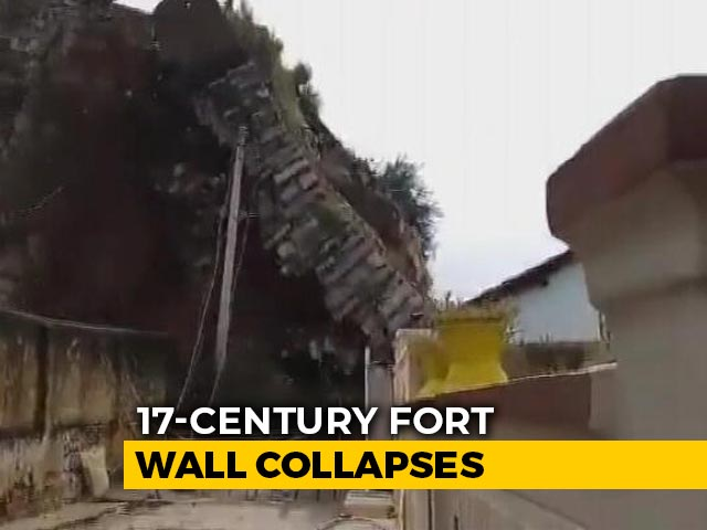Video : On Camera, 17th-Century Fort Wall Collapses Amid Telangana Deluge