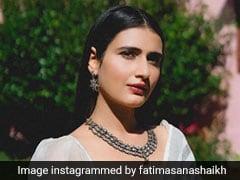 Fatima Sana Shaikh's Stunning Striped <i>Saree</i> And Sparkling Necklace Redefine Elegance