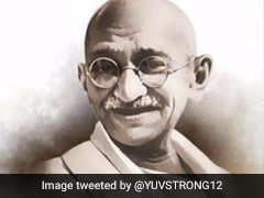 Delhi Chief Minister Arvind Kejriwal Pays Tribute To Mahatma Gandhi