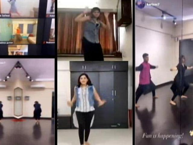 Video : Lockdown Has Not Dampened Navratri Celebrations, Garba Continues On Video Calls