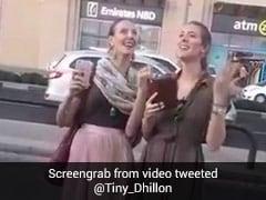 विदेशी लड़कियों ने शानदार अंदाज में गाया 'दमा दम मस्त कलंदर' सॉन्ग, बार-बार देखा जा रहा है Video