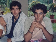 """Hrithik Roshan Is """"Glad"""" He Doesn't Look Like The Chap Posing With Kunal Kapoor In This Throwback"""