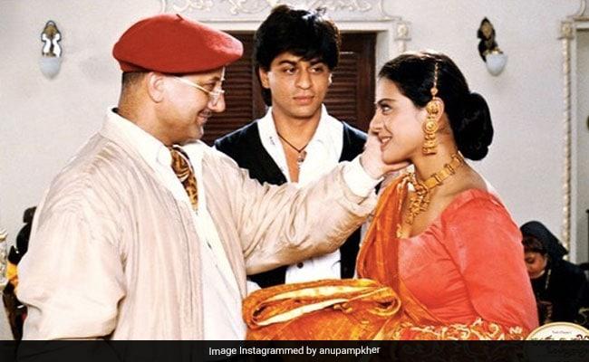 डीडीएलजे नंतर २ Years वर्षांनंतर शाहरुख खान आणि काजोल अजूनही राज आणि सिमरन आहेत.  त्यांनी काय केले ते येथे आहे