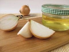 Onion Oil For Hair Growth: हेयर ग्रोथ के लिए बहुत फायदेमंद है होममेड प्याज का तेल