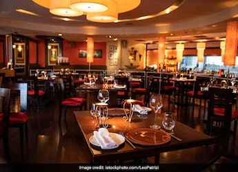 """''We Are Back To Square One""""- Restaurants Express Worry Over Delhi's Weekend Curfew"""