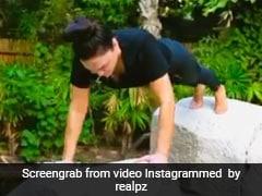 Preity Zinta ने दो चट्टानों पर बैलेंस बनाकर किए पुशअप्स, खूब Viral हो रहा है Video