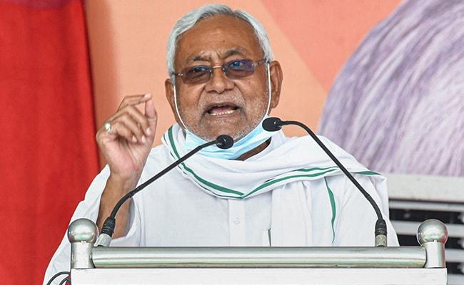'Who Talks Like This?' Nitish Kumar Disses Yogi Adityanath's CAA Comment