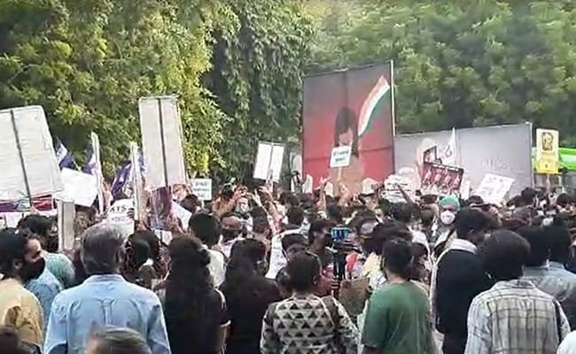 Hundreds At Jantar Mantar Over Hathras Case, Arvind Kejriwal May Join