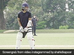 Suresh Raina Impressed By Shahid Kapoor's Cover Drive. Watch