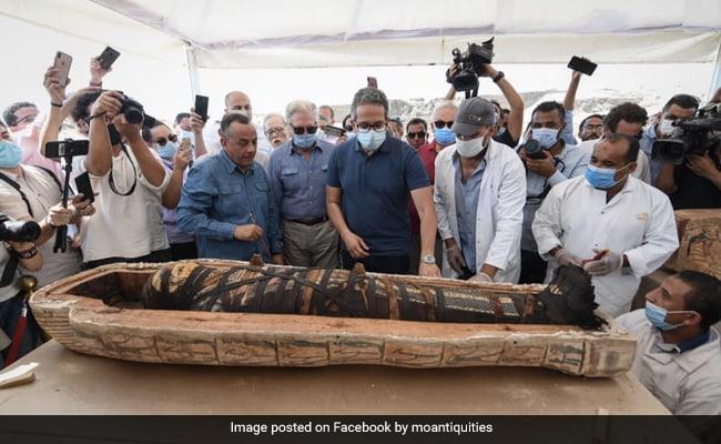 ढाई हजार साल से ताबूत में बंद थी Mummy, जैसे ही खोला तो देखकर लोग रह गए हैरान - देखें Viral Video