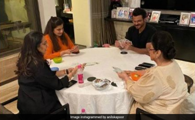 Pics Of Anil Kapoor Playing Rummy With Wife Sunita, Mom Nirmal And Sister Reena Are Fam-Jam Goals