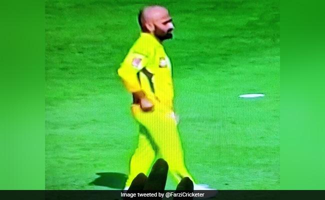 IPL 2020: दो साल बाद CSK ने मोनू सिंह को दिया डेब्यू का मौका, Memes की हुई बरसात,लोग बोले- 'आ गया कटप्पा मामा..'