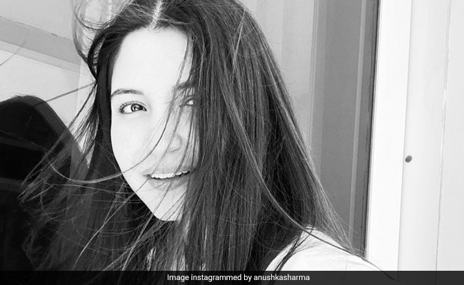 Mom-To-Be Anushka Sharma Is The Definition Of Yin-Yang In This Stunning Pic